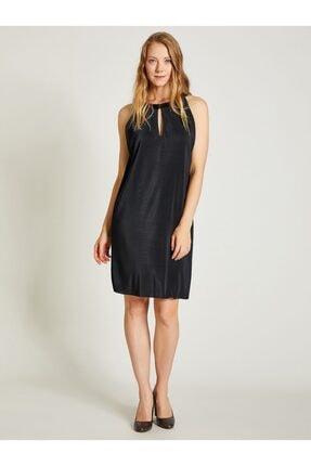 Vekem Kadın Siyah Piliseli Rahat Kesim Elbise