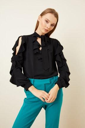 adL Kadın Siyah Volanlı Yakası Fularlı Bluz