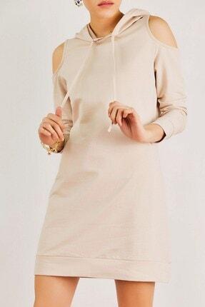 Boutiquen Kadın Bej Omzu Açık Kapüşonlu Elbise 12209