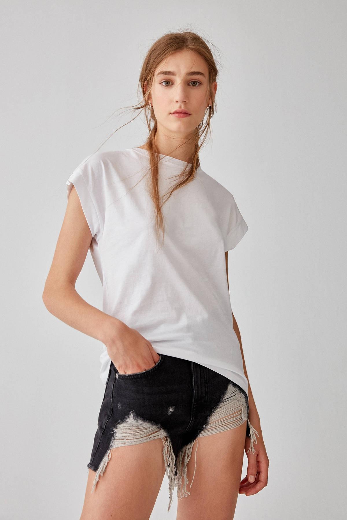 Pull & Bear Kadın Beyaz Kısa Kollu Basic Pamuklu T-Shirt 05234368