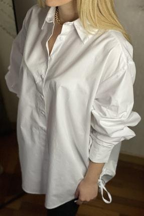 Kadın Beyaz Yandan Büzgülü Uzun Klasik Gömlek 004-00-02-48