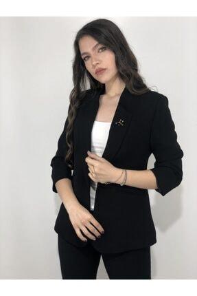Ayhan Kadın Bronş Detaylı Truvakar Kol blazer Ceket