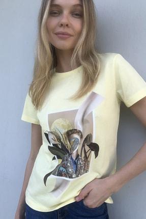 TrendyolMilla Sarı Baskılı Basic Örme T-Shirt TWOSS20TS1343