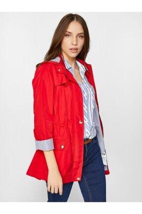 Faik Sönmez Kadın Kırmızı Çizgili Astarlı Kapüşonlu Trençkot 60608 U60608