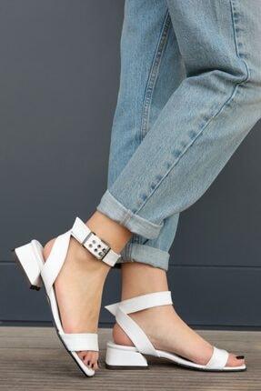 Mio Gusto Kadın Carol Beyaz Kısa Topuklu Sandalet