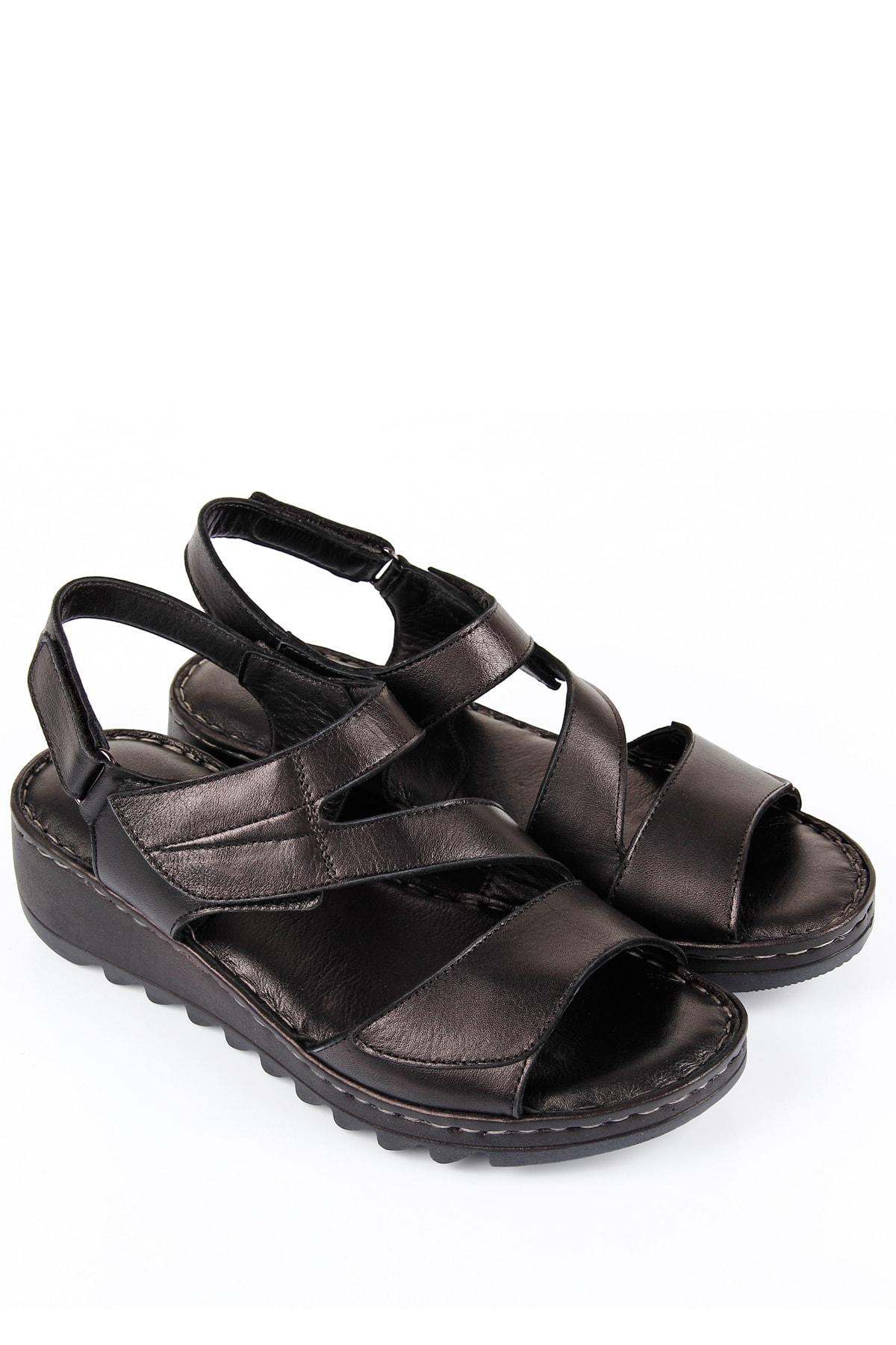 GÖN Siyah Kadın Sandalet DYZA70945508