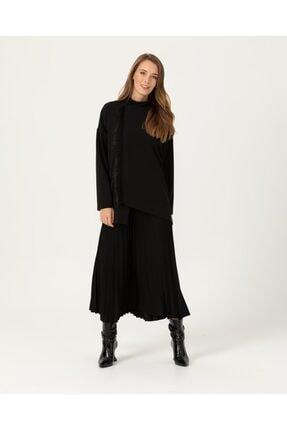 Seçil Kadın Siyah Dik Yakalı Asimetrik Kesim Bluz
