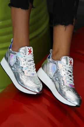 Ayakkabı Modası Kadın Gümüş Sneaker