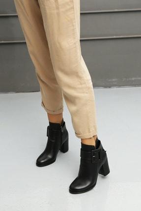 Ayakkabı Modası Kadın Bot