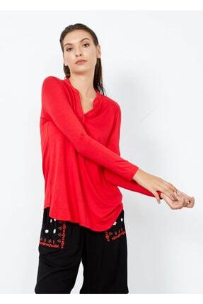 Cazador Kadın Kırmızı Yaka Düğmeli Kol Detaylı Bluz