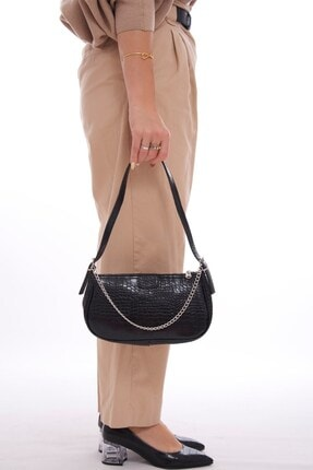 Fume London Siyah Kroko Kadın Zincir Aksesuarlı Fermuarlı Baget Çanta Fb3095