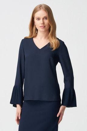 Naramaxx Kadın Lacivert V Yaka Plise Kol Bluz 18Y111181221028-Lacıvert