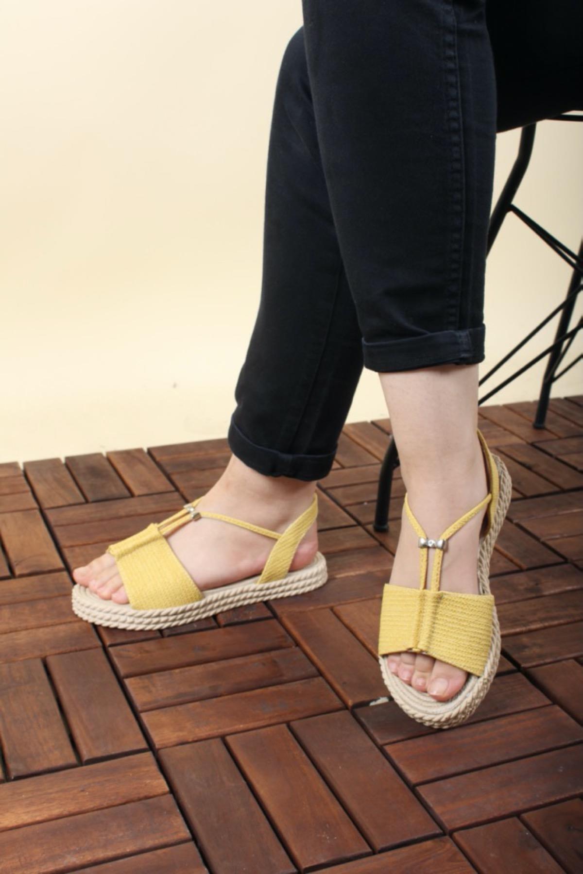 Oksit Giyim Florin Taş Detaylı Kadın Sandalet
