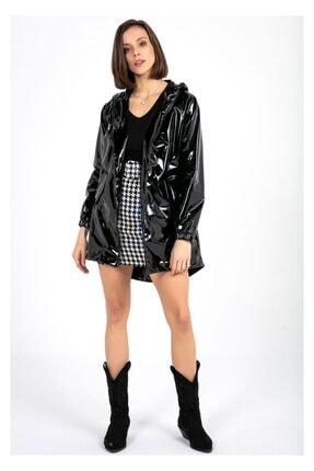Tiffany Kadın Siyah Kapşonlu Rugan Yağmurluk A0270
