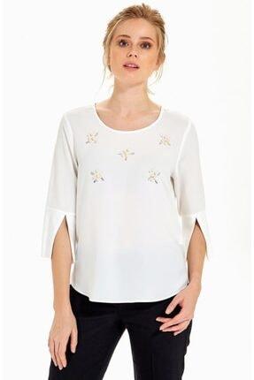 İkiler Kadın Kırık Beyaz Önü İnci İşlemeli Kolu Yırtmaçlı Bluz