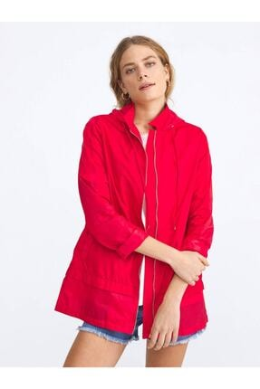 XINT Kadın Kırmızı Garni Detaylı Rahat Kesim Yağmurluk