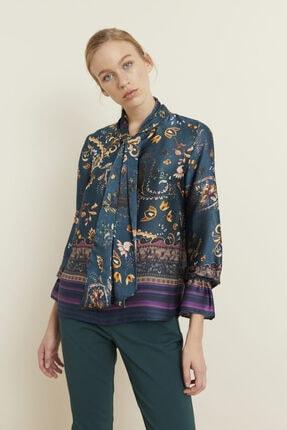 adL Kadın Yeşil Yakası Fularlı Desenli Bluz 11539304000