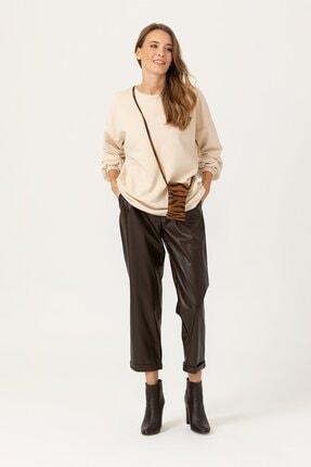 Seçil Kadın Bilek Boy Parlak Görünümlü Kahverengi Pantolon 3003