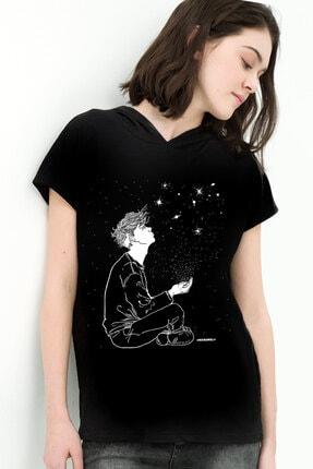 Rock & Roll34 Yıldızların Altında Siyah Kapşonlu Kısa Kollu Kadın T-shirt