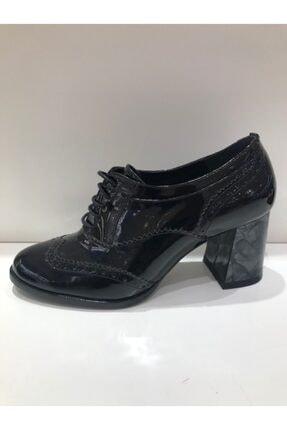 İnci Bayan Kalın Topuklu Rugan Ayakkabı