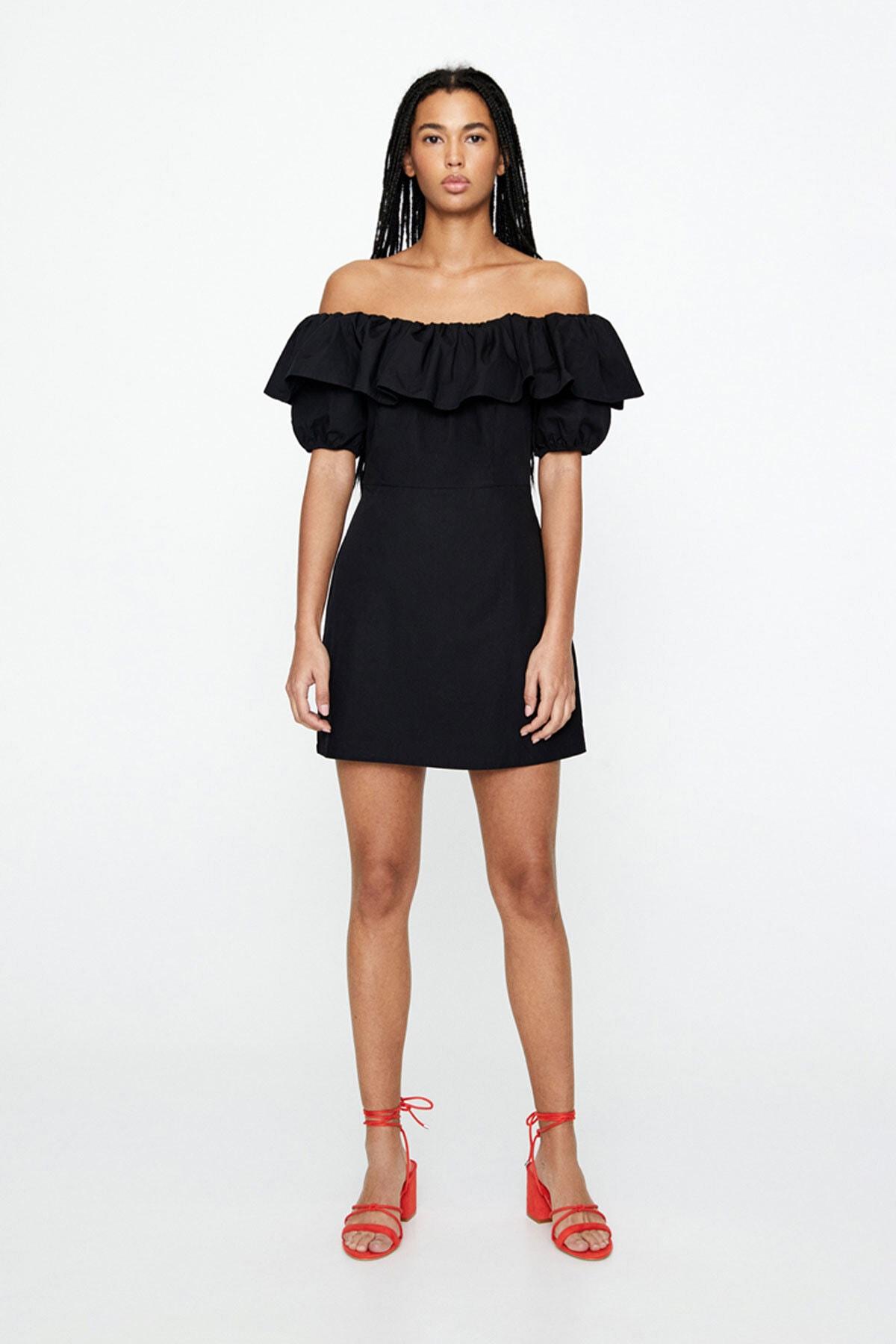 Pull & Bear Kadın Siyah Fırfırlı Straplez Elbise 05392309
