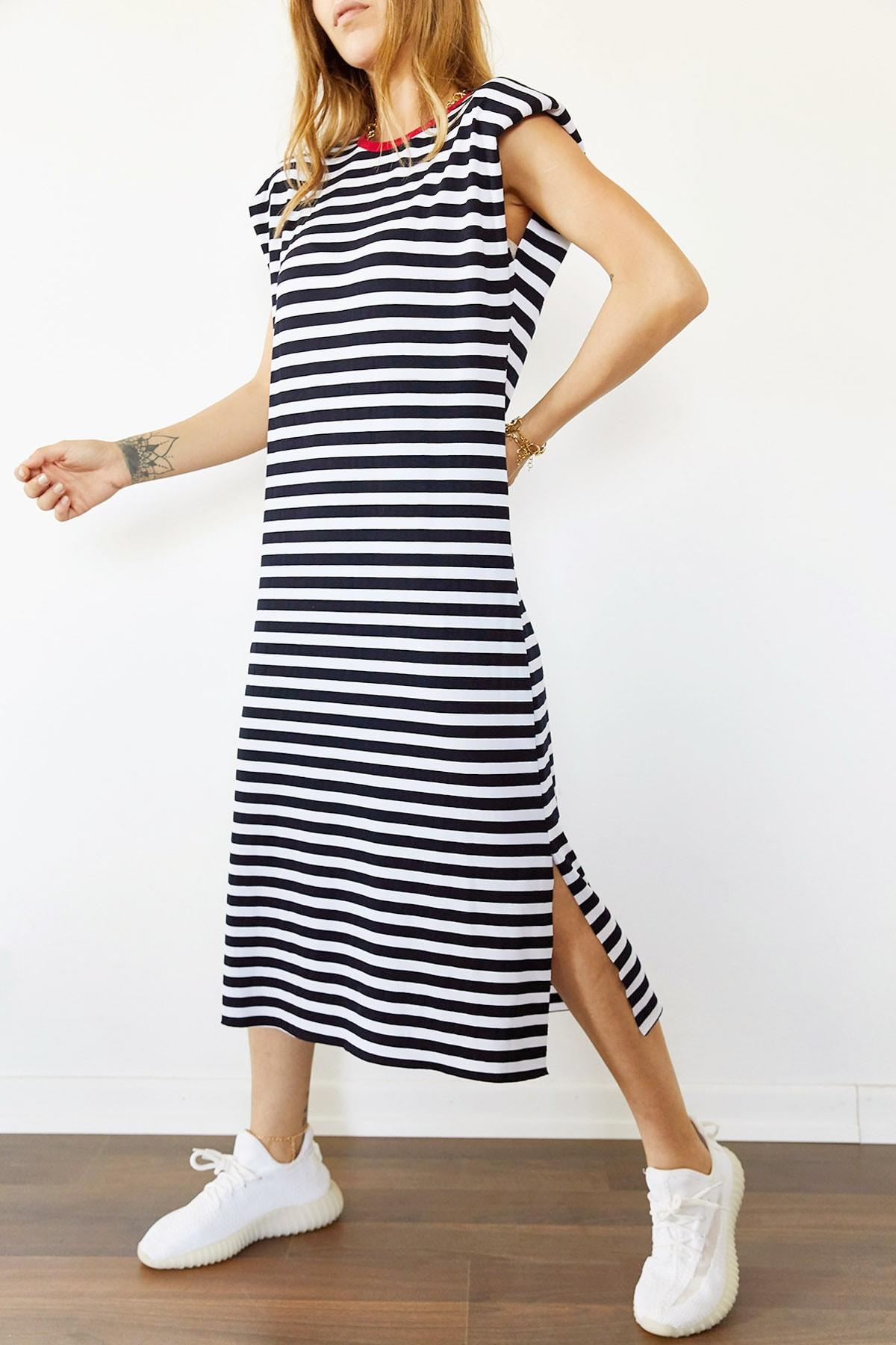 Xhan Kadın Siyah & Beyaz Vatkalı Çizgili Yanı Yırtmaçlı Elbise 0YXK6-43950-02 8699443950021