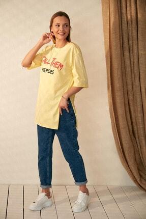 Morpile Kadın Sarı Yırtmaçlı T-Shirt