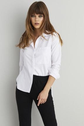 Cool & Sexy Kadın Beyaz Gizli Düğmeli Cepli Gömlek SGT337