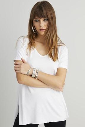 Cool & Sexy Kadın Beyaz V Yaka Yırtmaçlı T-Shirt CG139