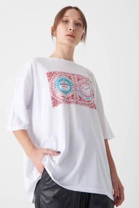 Addax Kadın Beyaz Baskılı T-Shirt P1048 - E6 Adx-0000022784
