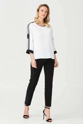 Moda İlgi Kadın Ekru Sıfır Yaka Tokalı Bluz