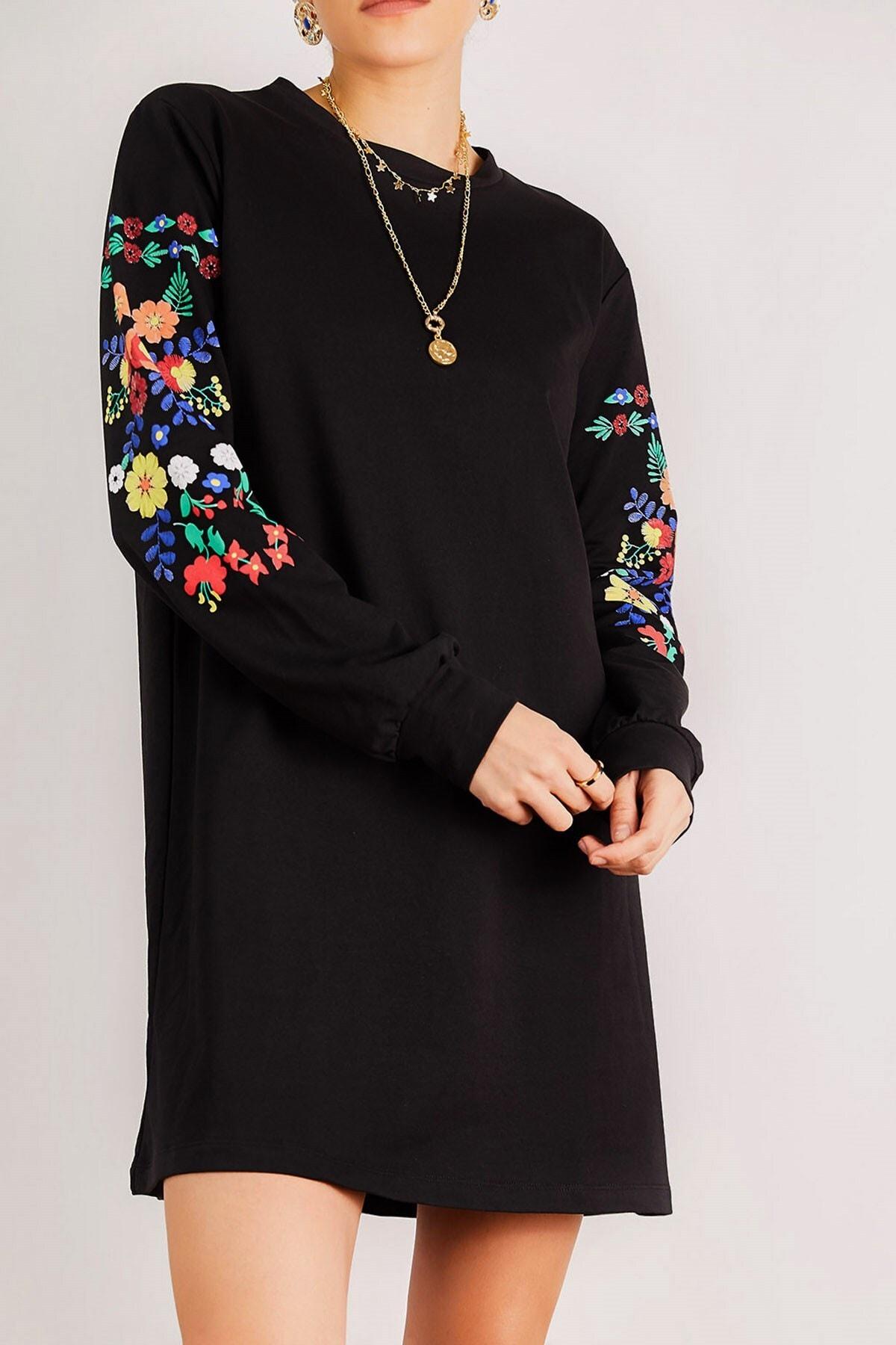 Boutiquen Kadın Siyah Kolu Nakış Baskılı Elbise 2024