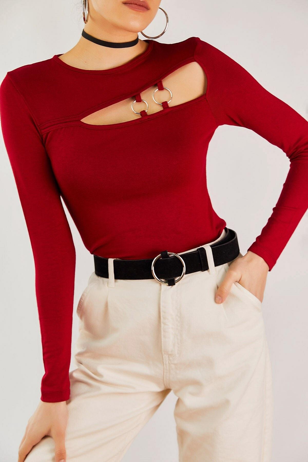 Boutiquen Kadın Bordo Göğsü Aksesuarlı Örme Bluz 11039