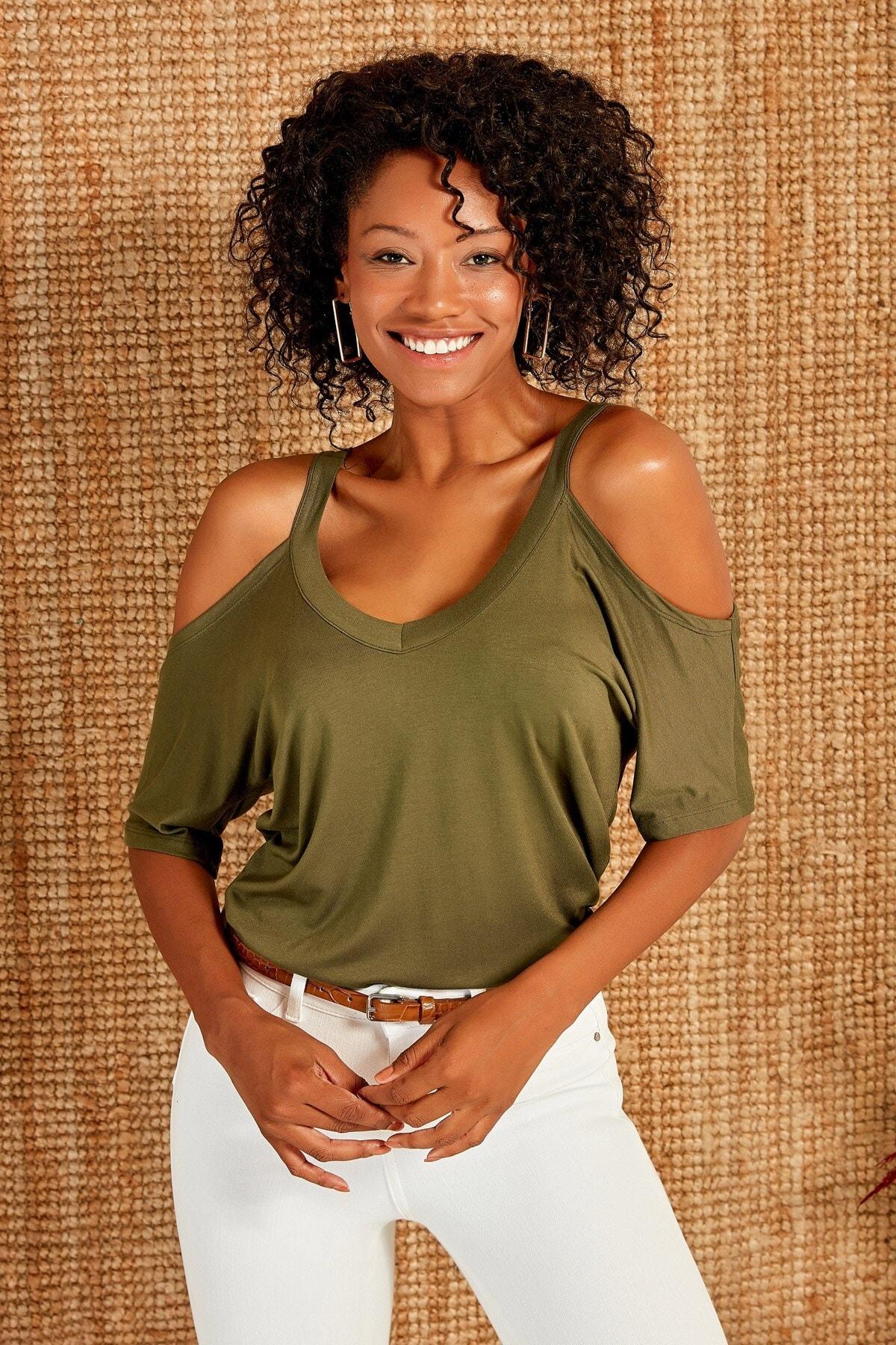 Boutiquen Kadın Haki Yeşili V Yaka Omuz Detaylı Bluz 1175