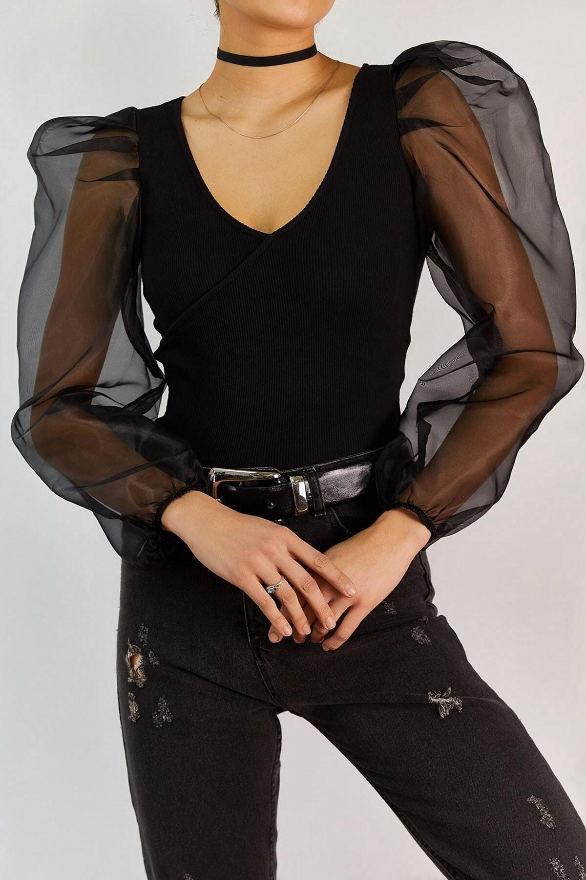 Boutiquen Kadın Siyah Kolları Organze Kruvaze Bluz 1324