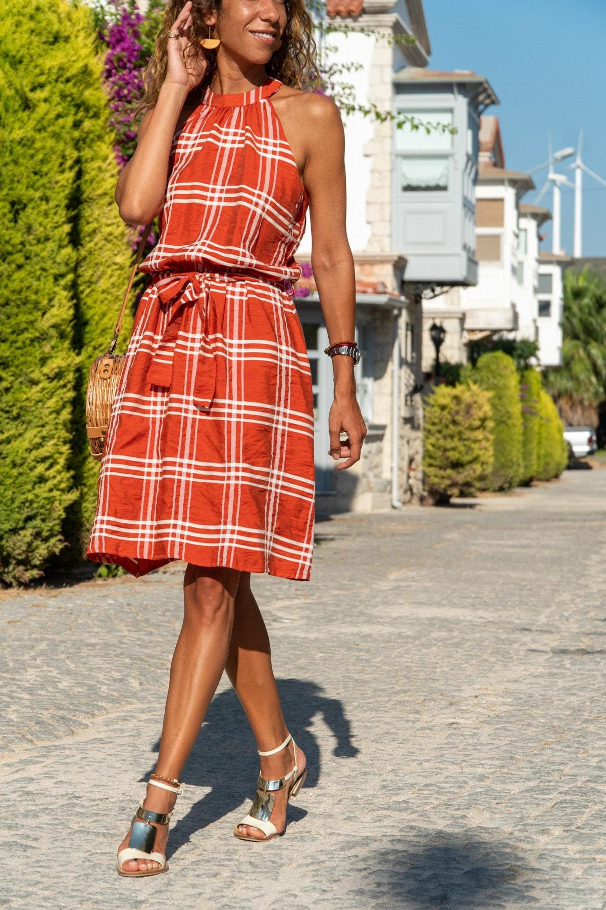 Güneşkızı Kadın Kiremit Halter Yaka Kendinden Kemerli Elbise GK-BST2897