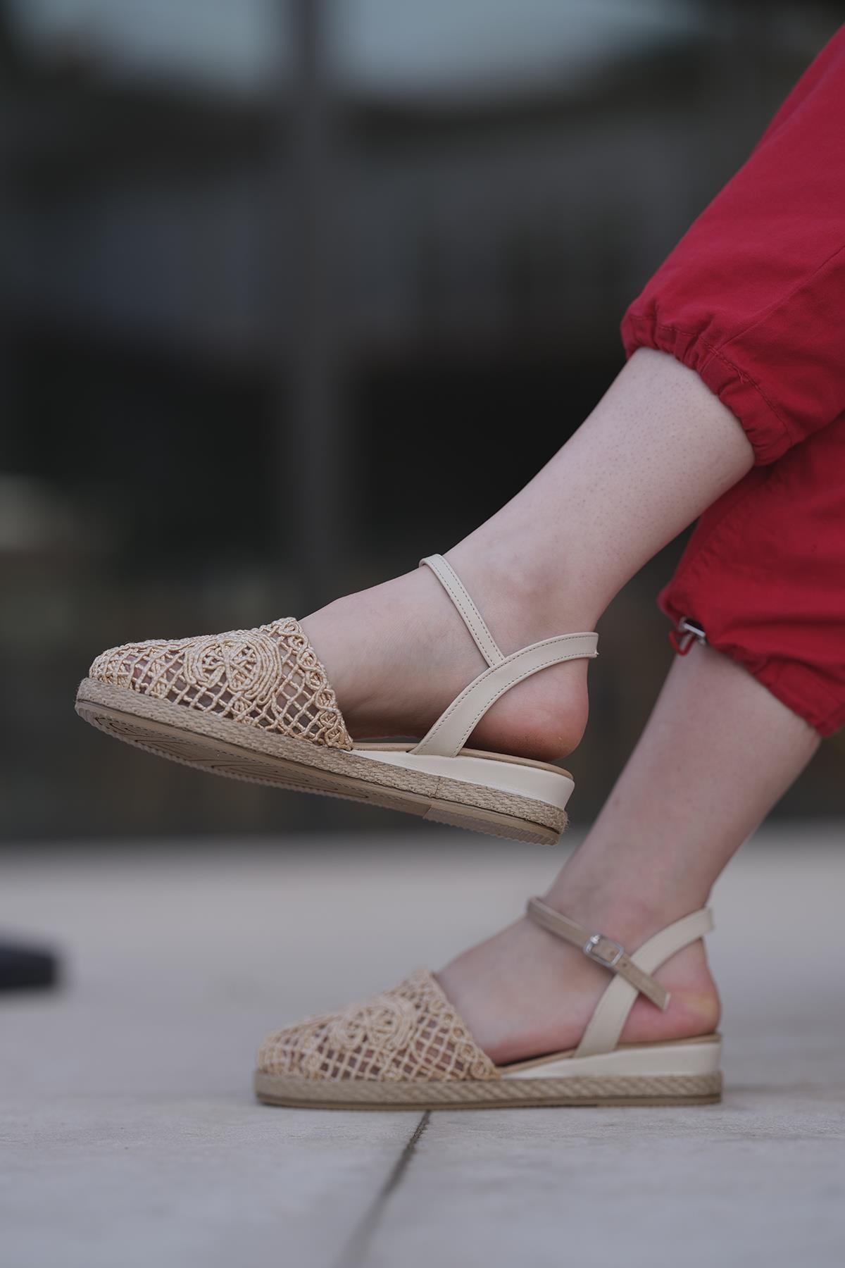 Oksit Giyim Maja Dantel Detaylı Kadın Sandalet