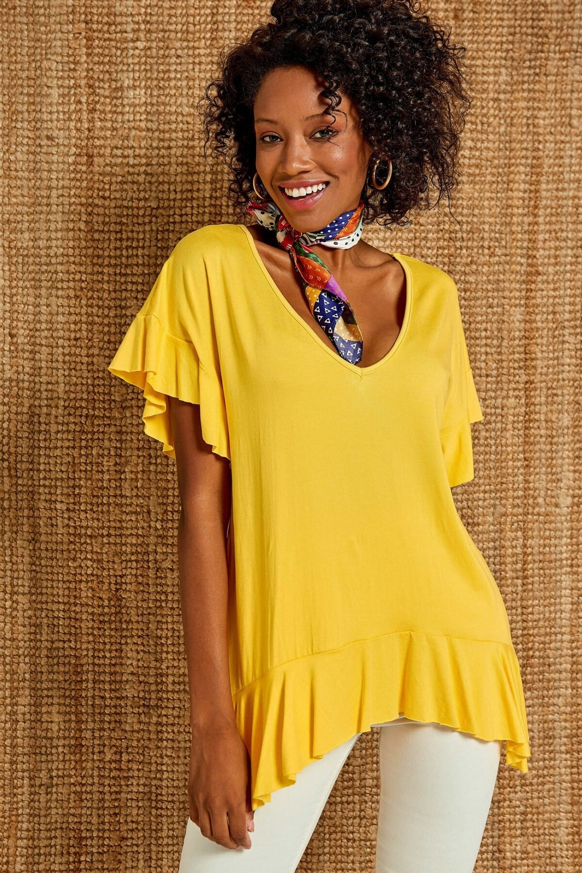Boutiquen Kadın Sarı V Yaka Volan Detaylı Bluz 1194