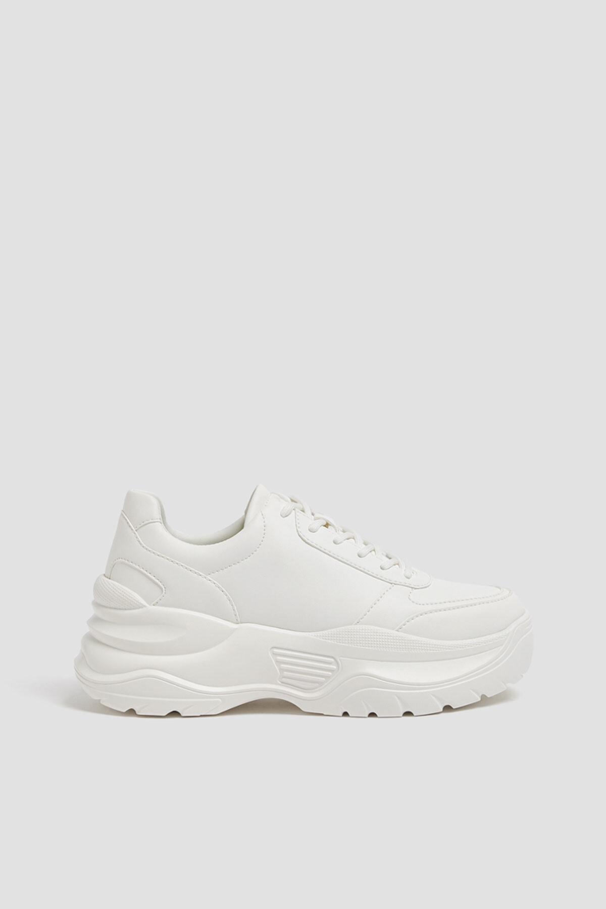 Pull & Bear Kadın Beyaz Tek Renk Beyaz Kalın Tabanlı Spor Ayakkabı 11306640