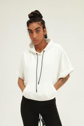 Quzu Kadın Beyaz Yarasa Kol Kapüşonlu Sweatshirt