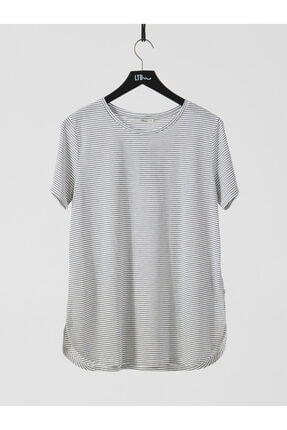 LTB Kadın  Siyah Oversize Çizgili Kısa Kol Geniş Yaka T-Shirt 012218001166300000
