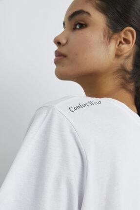 adL Kadın Beyaz Omuzu Baskılı Kısa Kollu Tişört