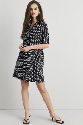 Cool & Sexy Kadın Siyah-Beyaz Önü Düğmeli Puantiyeli Elbise Q916