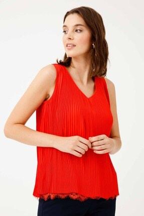 Ekol Kadın Kırmızı Dantel Detaylı Kolsuz Bluz