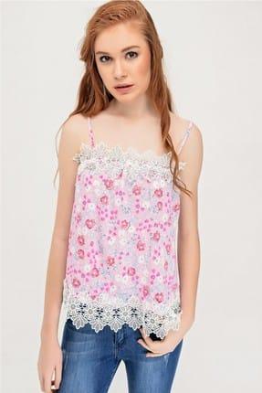 Deppoist Kadın Pembe Askılı Çiçek Desen Güpürlü Bluz RED-1016