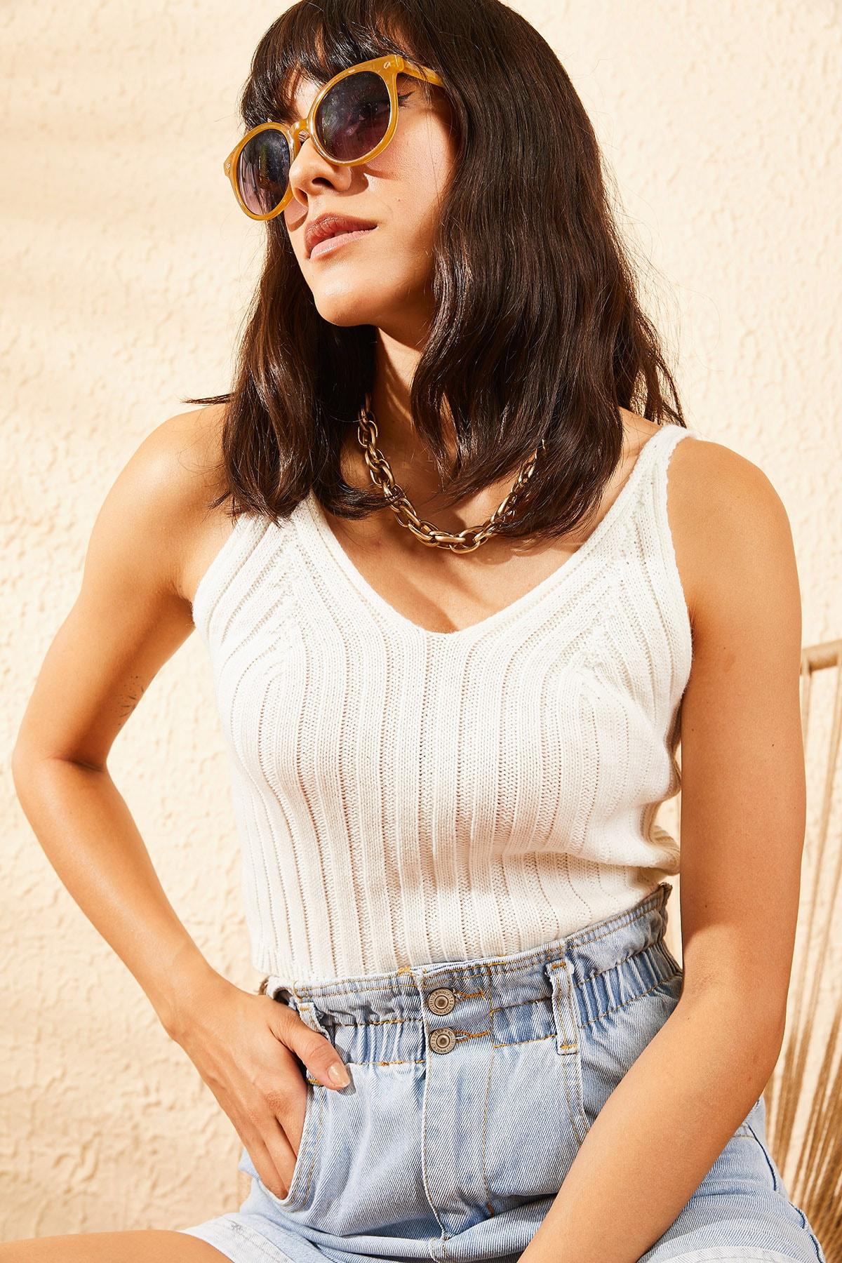 Bianco Lucci Kadın Ekru Askılı Triko Crop Top Bluz 10101029