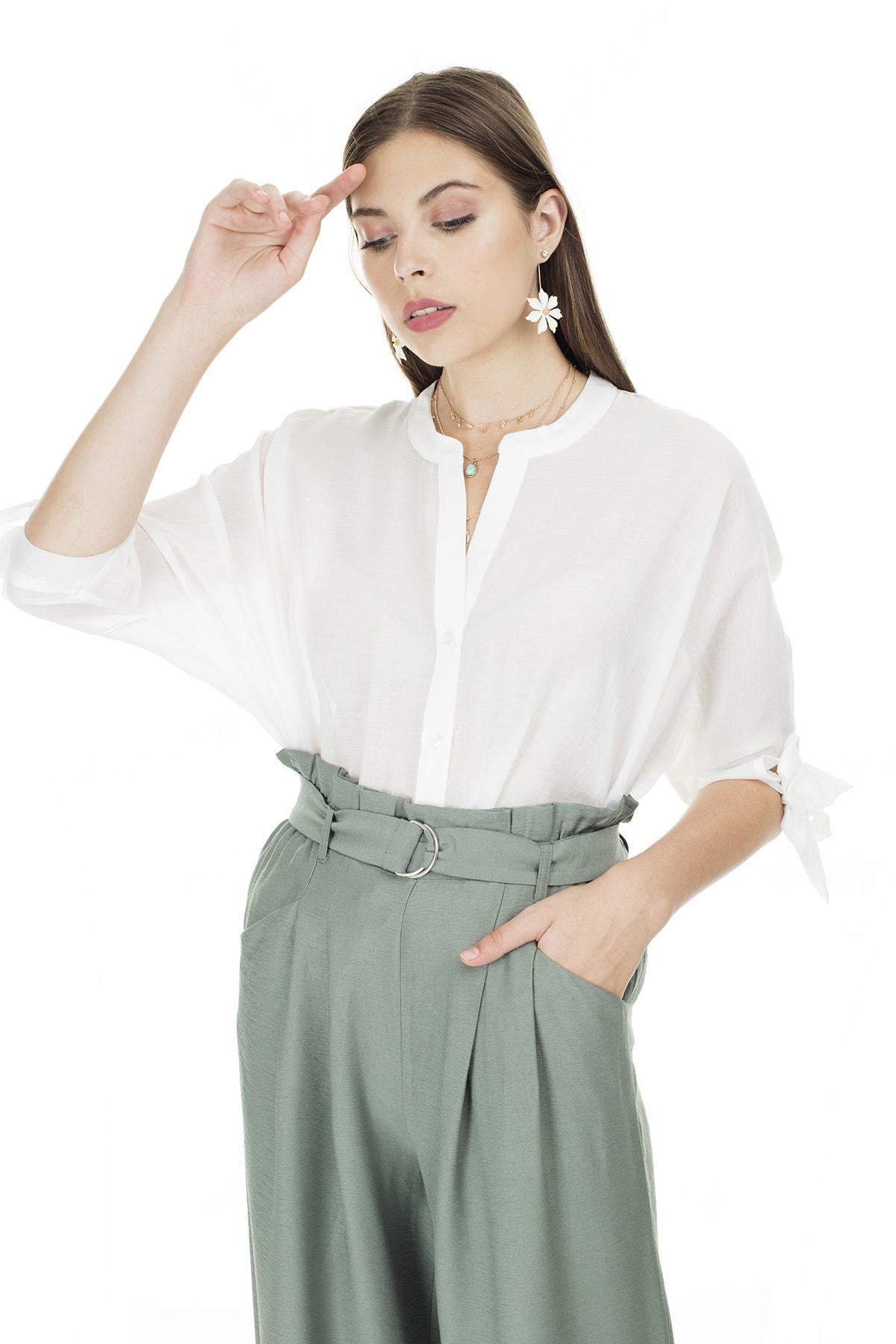 Ayhan Beyaz V Yaka Bağlama Detaylı Bluz Kadın Bluz 04681399