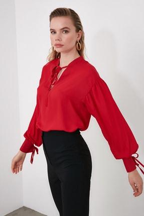 TrendyolMilla Kırmızı Kolları Bağlama Detaylı Bluz TOFAW19BB0110
