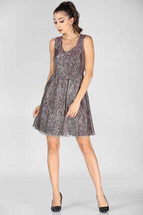 Nesrinden Kadın Sırt Düğme Detay Simli Mor Kısa Elbise ELB000137031