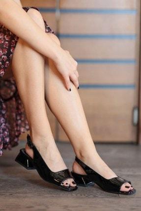Mio Gusto Suzanne Siyah Rugan Kısa Topuklu Sandalet